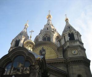 pravoslavnaya_cerkov_na_kladbishhe_v_parizhe